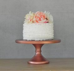 Rose gold wedding cake stand | http://emmalinebride.com/planning/rose-gold-wedding-ideas/