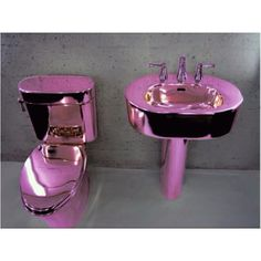 Love the matching pink toilet and sink