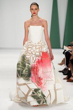 New York fashion week Carolina Herrera Spring 2015 RTW – Runway – Vogue Haute Couture Style, Couture Mode, Couture Fashion, Runway Fashion, Carolina Herrera, Fashion Week, Love Fashion, Fashion Show, Fashion Design