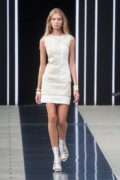 Défilé Simoëns, prêt-à-porter printemps-été 2014, Paris. #PFW #fashionweek #runway