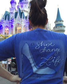 Ashton Brye spotted at the most magical place on EARTH...DISNEY WORLD! Whats not to love about this preppy tee?! ashtonbrye.com