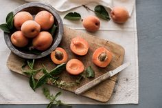poached apricot recipe - white on rice couple notes: composition, soft lighting, styling, color pops Basil Recipes, Fruit Recipes, Summer Recipes, Apricot Dessert, Apricot Recipes, Grilled Fruit, Dessert Dishes, Desserts, Sugar Cravings