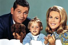 Dick York and Elizabeth Montgomery challenged patriarchal structures in 'Bewitched'.