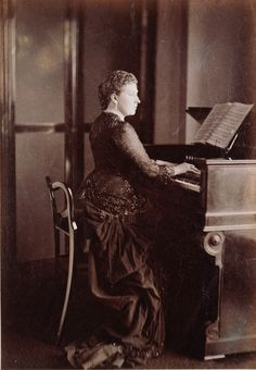 HRH The Princess Beatrice in This portrait shows the Princess playing harmonium at Osborne during the winter of when she was nearly twenty-four. She was a talented musician! Queen Victoria Children, Queen Victoria Family, Queen Victoria Prince Albert, Victoria Reign, Victoria And Albert, Princess Victoria, The Queen's Gallery, Victoria's Children, Royal Collection Trust
