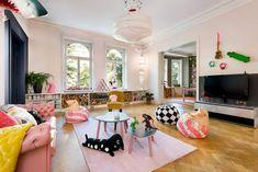 Vrolijke gedurfde kleuren in een Scandinavisch appartement   HOMEASE