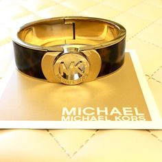 """Michael Kors Gold Tortoise Fulton Bracelet! Michael Kors Fulton Bangle MKJ2928710. Tortoise acetate and golden stainless steel- logo medallion center- hinge closer- 3/4"""" thick. Brand new without tags (never worn)- includes dust bag & care card information. MSRP $125 Michael Kors Jewelry Bracelets"""