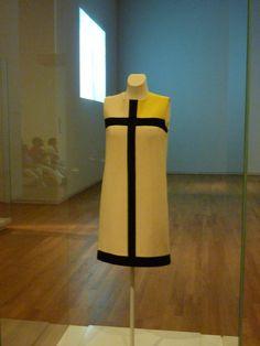 Rijksmuseum-Vestido Mondrian. Yves Saint Laurent, 1965