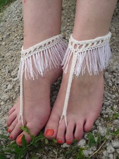 They can be worn or with shoes. One size fits most. cotton yarn Care: hand wash - lay flat to dry. This listing is for a pair of barefoot sandals. Crochet Barefoot Sandals, Hippie Culture, Crochet Gifts, Crochet Things, Knit Shoes, Pattern Images, Bare Foot Sandals, Hippie Boho, Bohemian