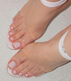 Unhas brancas para os pés