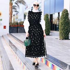Today in ❤️ Abaya Fashion, Muslim Fashion, Modest Fashion, Girl Fashion, Fashion Dresses, Dubai Fashion, Hijab Style Dress, Hijab Chic, Beautiful Hijab Girl