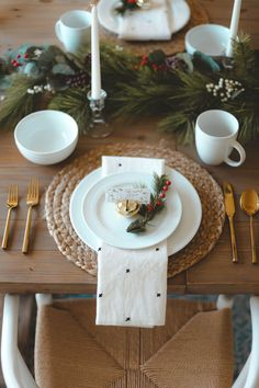 Our Dining Room Holiday Tablescape - Kiss Me Darling Christmas Mood, Noel Christmas, Rustic Christmas, All Things Christmas, Holiday Fun, Christmas Crafts, Christmas Dining Table, Christmas Table Settings, Christmas Table Decorations