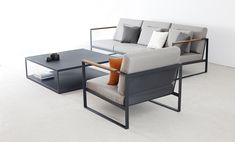 Röshults' Garden Easy sofa table is a perfect companion for the sofas and lounge chairs of the same collection. Designed by Broberg & Ridderstråle, the exclusive Garden Easy products from Röshults are generous in size. Outdoor Furniture Sofa, Iron Furniture, Steel Furniture, Rustic Furniture, Outdoor Sofa, Modern Furniture, Furniture Design, Furniture Nyc, Furniture Stores