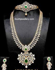 Diamond Choker and Haram - Indian Jewellery Designs Diamond Necklace Set, Diamond Choker, Diamond Bracelets, Diamond Jewelry, Gold Jewelry, Jewelery, Fine Jewelry, Diamond Jhumkas, Emerald Diamond