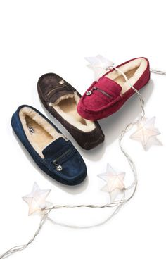 So soft! Red, blue, & brown UGG slippers. Ugg Slippers, Womens Slippers, Ugg Shoes, Shoe Boots, Fur Boots, Classic Ugg Boots, Ugg Classic, Classic Mini, Ugg Boots Sale