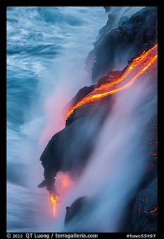 Glowing lava flow reaching the sea. Hawaii Volcanoes National Park,Part of gallery of color pictures of US National Parks by professional photographer QT Luong, available as prints or for licensing. Hawaii Volcanoes National Park, Volcano National Park, American National Parks, Us National Parks, Shield Volcano, Mauna Loa, Lava Flow, Active Volcano, Hawaiian Islands