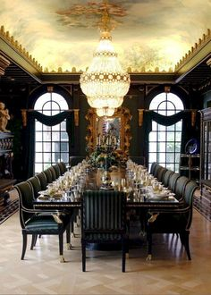 awesome 47 Luxury Dining Room Design Ideas You Will Love Elegant Dining Room, Luxury Dining Room, Dining Room Design, Luxury Living, Dining Room Table, Dining Rooms, Long Dinning Table, Fine Dining, Modern Living