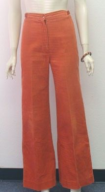 Bell Bottom Pants, I made a pair or polyester knit plaid bell bottoms in sewing class.boy did I look cool! Bell Bottom Pants, Bell Bottoms, 70s Fashion, Vintage Fashion, Nostalgia 70s, Seasons In The Sun, Old Hollywood Glamour, Pants Outfit, Look Cool