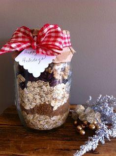 A Healthy Holiday Food Gift in a Jar:  Baked Cranberrry Oatmeal/momskitchenhandbook.com
