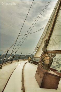 Sailing, mast, boat, ocean, adventure, deck, sail, wind, sky, lines,