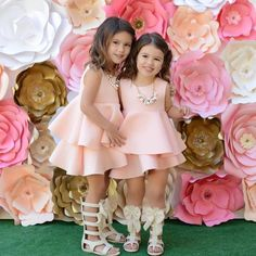 Would be pretty Easter dresses. Baby Girl Fashion, Toddler Fashion, Kids Fashion, Little Girl Dresses, Girls Dresses, Flower Girl Dresses, Kids Gown, Girl Dress Patterns, Birthday Dresses