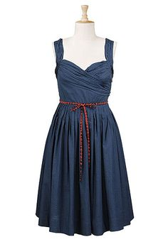 Love this dress with the simple belt. Wonderful for warm summer days!