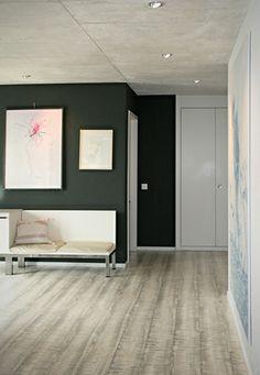 Farrow&Ball Studio Green Wall coloring project in Zurich / Zürich Dark Green Living Room, Green Dining Room, Dark Green Walls, Dark Living Rooms, Dark Walls, Grey Walls, Room Colors, Wall Colors, House Colors