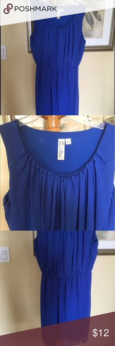 PRETTY BLUE FLOWEY DRESS 14 Gorgeous blue summer dress! Stitching on one shoulder is coming loose, price reflects the flaw. Otherwise this dress is perfect! Emma & Michele Dresses Mini
