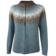 Strikkeopskrift trøje - model Søster Ingelise. Iøjnefaldende mønster på bærestykket. Kan strikket i et væld af farver - vælg netop de farver, som du synes om. Se også variationen af samme model strikket i Tvinni fra Isager. Se sweater med samme mønster på bærestykket. Girls Sweaters, Cardigans, Pullover, Knit Cardigan, Bunt, Knitting Patterns, Knit Crochet, Men Sweater, Wool