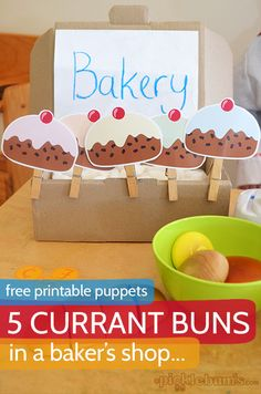 Five Currant Buns - free printable puppets from Finally we made our favourite counting song into a puppet set! Nursery Rhyme Crafts, Nursery Songs, Nursery Activities, Rhyming Activities, Preschool Songs, Nursery Rhymes, Preschool Activities, Counting Songs, Counting Rhymes