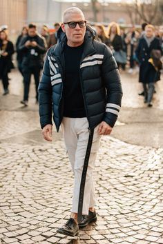 The men who attend Pitti Uomo, the biannual Florentine trade show, dress for the occasion. Here are the guys catching our eye right now. Mens Fashion Week, Fashion Moda, Urban Fashion, Men's Fashion, Street Style Summer, Street Style Looks, Nick Wooster, Sartorialist, Dapper Men