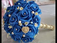 Bouquet de Rosas Azuis em EVA - YouTube