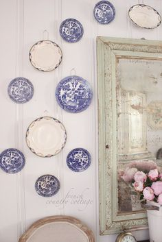 FRENCH COUNTRY COTTAGE: A little French Country  frame color