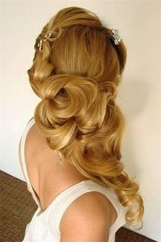Long hair make a perfect bridal hair-do| Get your hands on our 100% Remy Human Hair Extensions | Free Worldwide Delivery | Visit: www.cliphair.co.uk