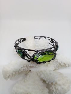 Stained glass bracelet.Wire bracelet.Stained glass jewelry.Semi-precious stone Peridot.Gift for woman.
