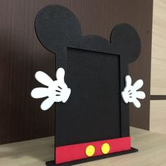 Mickey Mouse Bedroom, Mickey Mouse Gifts, Minnie Mouse Theme Party, Fiesta Mickey Mouse, Mickey Party, Mickey Mouse Clubhouse Birthday, Mickey Mouse Birthday, Festa Mickey Baby, Decoration Buffet