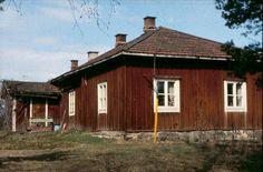 Grans on vanhin vielä pystyssä oleva rakennus Leppävaarassa. Gransin kievari jutussa Leppävaaran kievarit ja krouvit