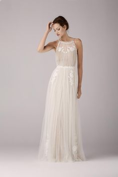 Retrouvez la robe de mariée Corriander de Anna Kara chez Plume Paris, boutique de robes de mariée à Paris