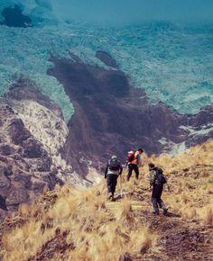 Hiking Machu Picchu by way of El Valle Sagrado.
