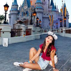 Magic Kingdom Castle, Disney Magic Kingdom, Disney Pics, Disney Pictures, Picture Ideas, Photo Ideas, Castle Pictures, Cinderella Castle, Disneyland Paris