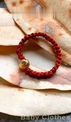 Diy Friendship Bracelets Patterns, Diy Bracelets Easy, Bracelet Crafts, Jewelry Crafts, Baby Bracelet, Hemp Jewelry, Bracelet Knots, Rope Crafts, Diy Crafts Hacks