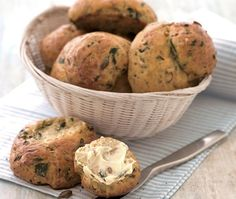 budget recipe for delicious spinach and cheese bread rolls, perfect for picnics Asda Recipes, Best Cake Recipes, Veggie Recipes, Cooking Recipes, Veggie Food, Cheese Bread Rolls, Bread Bun, Cheese Rolling, Savoury Baking