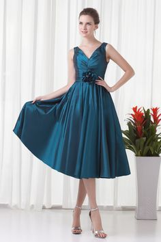 Prom Dresses A-Line V-Neck Sleeveless Natural Zipper Knee-Length Taffeta Flower(s)