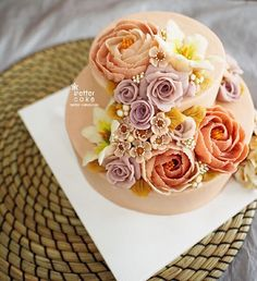 **Butter cream + Bean paste FLOWER CAKE** Done by me www.better-cakes.com…