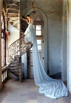Photography taken by the talented Tim Walker!  A picture I absolutely adore!