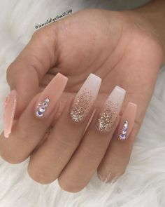 Spring Nail Art Designs for Women 2020 Summer Acrylic Nails, Best Acrylic Nails, Spring Nails, Acrylic Nails With Glitter, Spring Nail Art, Gold Glitter, Gold Nails, My Nails, Matte White Nails