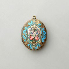 Antique Victorian Locket with Bright Enamels. Floral. Regard. Photo. Sweetest Valentine.