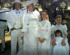 i remember loving this episode as a kid!!! even today....Little House reruns 4-ever!