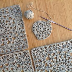 Ravelry is a community site, an organizational tool, and a yarn & pattern database for knitters and crocheters. Crochet Square Patterns, Crochet Squares, Crochet Granny, Baby Knitting Patterns, Crochet Motif, Knit Crochet, Crochet Home, Cute Crochet, Beautiful Crochet