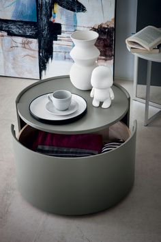 A cool modern circular side table in great new colours. Interior designer matt white living room round side tables at the best prices. Diy Furniture Table, Bedroom Furniture Sets, Furniture Design, Bedroom Sets, Bedrooms, Bedside Table Design, Bedside Tables, Primitive Dining Rooms, Living Room White