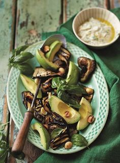 Make this meal to boost your Banting braai. Chargrilled eggplantand macadamiasalad with yoghurtdressing.